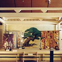 群馬県立歴史博物館〈華麗なる能装束の美展〉会場 1998